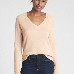 NEVER WORN Petal Pink Gap V-Neck Sweater